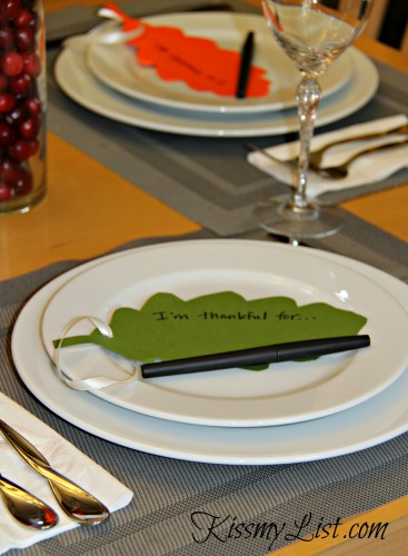 thanksgiving tree leaf on plate